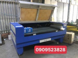Máy laser 1390-100w chuyên cắt khắc quảng cáo