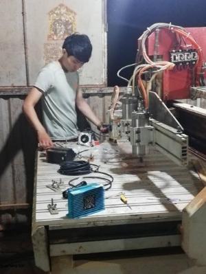 Mua máy đục gỗ cũ máy tiện cnc hư hỏng