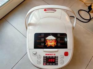 Nồi cơm điện 1,8L Perfect PF-MC369 .