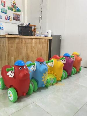 Xe chòi chân nhiều màu sắc dành cho trẻ em mầm non