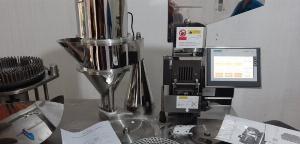 Máy làm viên nang bán tự động CGN-208