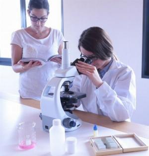 2021-01-18 15:17:25  6  Kính hiển vi sinh học chuyên dụng phòng thí nghiệm 12,000,000