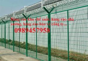 Nhận thi công lắp đặt hàng rào thép gai tận chân công trình