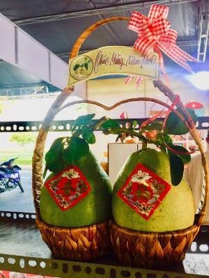 Giỏ quà tặng tết - giỏ bưởi lục bình 2 trái thân thiện môi trường