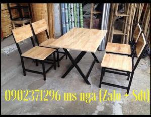 Bàn ghế gỗ cố định dành cho quán nhậu