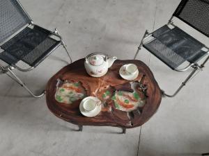 Bàn cafe nghệ thuật epoxy vẽ cá ( 40-55cm)