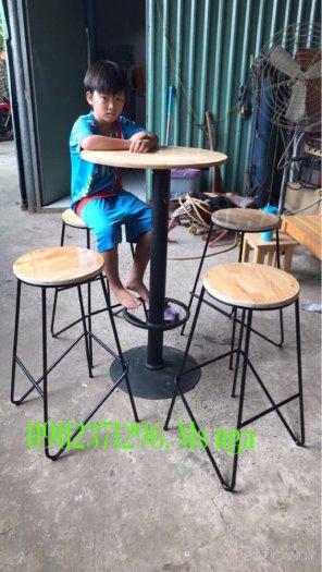 Ghế bả không lưng chân sắt mặt gỗ+nệm