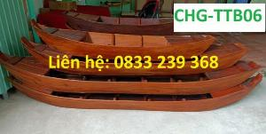Thuyền gỗ trưng bày nhà hàng, cửa hàng hải sản, hàng hoa tươi