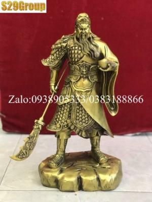 Quan Công đứng cầm vàng bằng đồng cao 39cm
