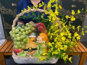 Giỏ hoa quả tặng tập thể nhân viên y tế - FSNK220