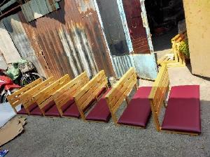 Ghế gỗ ngồi bệt bọc nệm giá rẻ