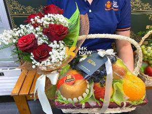 Giỏ trái cây có hoa làm quà - FSNK228