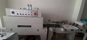 Máy cắt dán màng co POF, máy rút màng co lõi lọc nước, máy cắt dán màng co hộp bằng điện