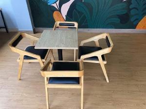 Bàn ghế gỗ cafe có niệm giá rẻ tại xưởng