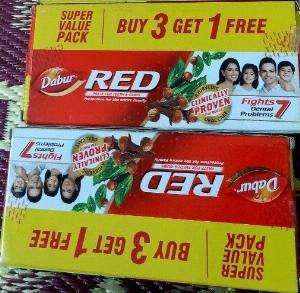 Kem đánh răng thảo dược DABUR RED (Ấn Độ)