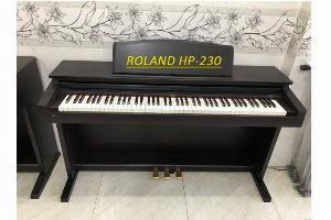 Piano roland HP-230
