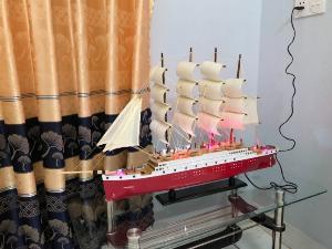 Thuyền buồm cao cấp có đèn led