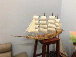 Thuyền buồm độc mộc dài 75 cm