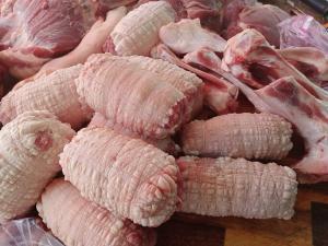 Giò heo nhập khẩu rút sườn cho bún đậu mắn tôm