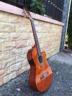 Guitar Classic Thùng mỏng dáng khuyết