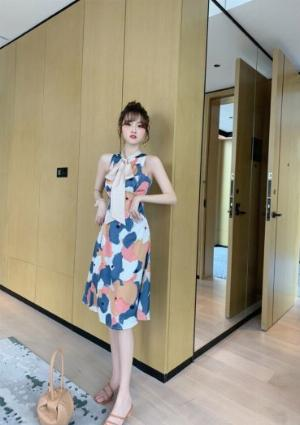 Đầm váy nữ hoạ tiết kiểu dáng cổ lọ cột nơ SG