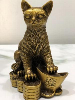 Tượng Mèo ngồi trên kim nguyên bảo (18cm)