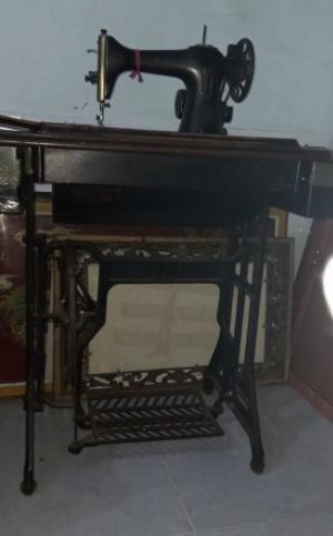 Bộ máy khâu xưa