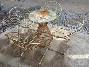 Bộ bàn ghế sắt mỹ ghệ.