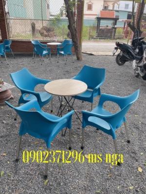 Bàn ghế nhựa lỗ cafe