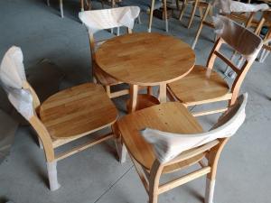 Bàn ghế gỗ giá rẻ..
