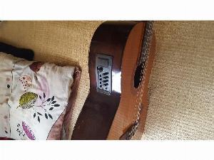 Đàn guitar classic yamaha C60 có pikup