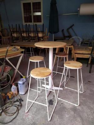 Bàn ghế gỗ quầy tự nhiên đẹp bền giá rẻ