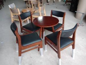 Những mẫu bàn ghế gỗ Cafe đẹp và bền tốt