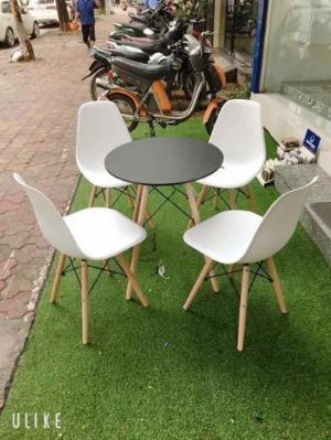 Bàn ghế nhựa chân gỗ