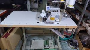 Cần thanh lý nhanh máy vắt sổ 2 kim 4 chỉ jack mô tơ liền trục giá rẻ