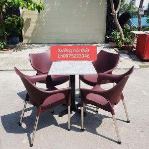 Bàn ghế nhựa đúc giá rẽ tại xưởng sản xuất