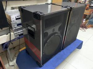 Loa Khủng TOA 380-SE- Dùng karaoke là hết bài