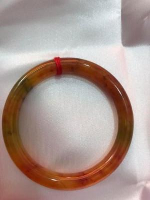 Vòng tay đá cẩm thạch Tứ Quý 51mm bóng đẹp đẹp Size vòng 51mm x dầy 8mm Màu Vàng Chanh Bông Đỏ
