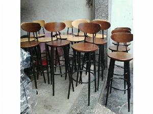 Ghế quầy bar gỗ mẫu hiện đại Ak