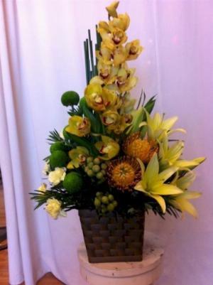 Giỏ hoa tươi tone vàng xanh để bàn - LDNK28