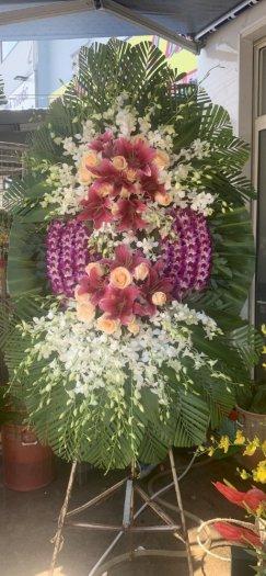 Lẵng hoa, vòng hoa chia buồn màu trắng tím - LDNK32
