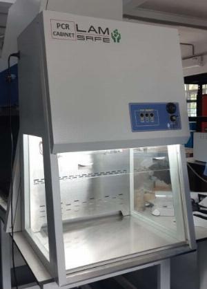 Tủ thao tác PCR 900 mm