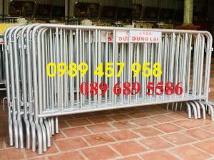 Sản xuất khung hàng rào di động, hàng rào cách ly khu vực Covid có sẵn