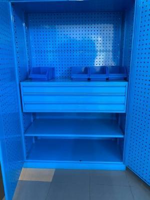 Tủ chứa dụng cụ vật tư  LV - 2302