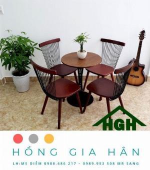 Bộ Bàn Cafe 4 Ghế Bằng Gỗ Sang Trọng HGH