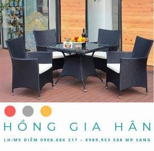 Bàn Ghế Mây Nhựa Cao Cấp Cho Quán Cafe HGH