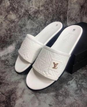 Dép quai ngang nam thời trang cao cấp V có 2 màu trắng đen