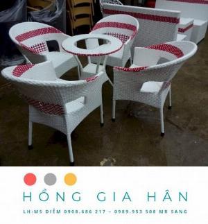 Bàn Ghế Mây Nhựa Cho Cafe Sân Vườn Hồng Gia Hân