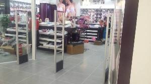 Cổng từ an ninh chuyên nghiệp cho shop thời trang của bạn