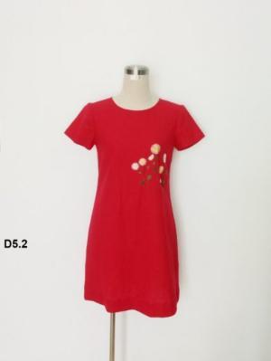 Đầm suông màu đỏ thêu bông hoa trẻ trung D5.2